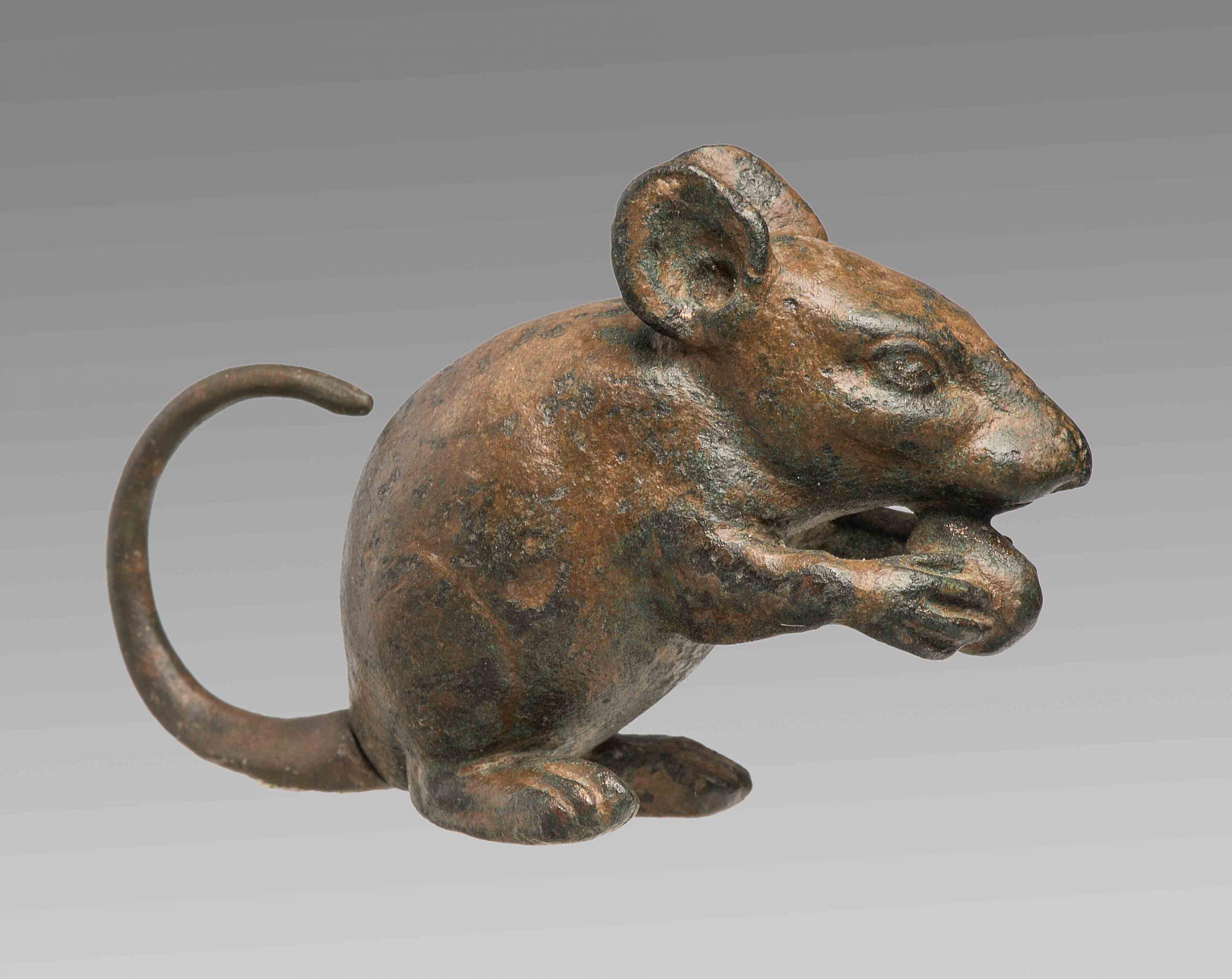 Statuette einer Maus, Bronze, römisch, Staatliche Antikensammlung München © Staatliche Antikensammlungen und Glyptothek München, Foto: Renate Kühling