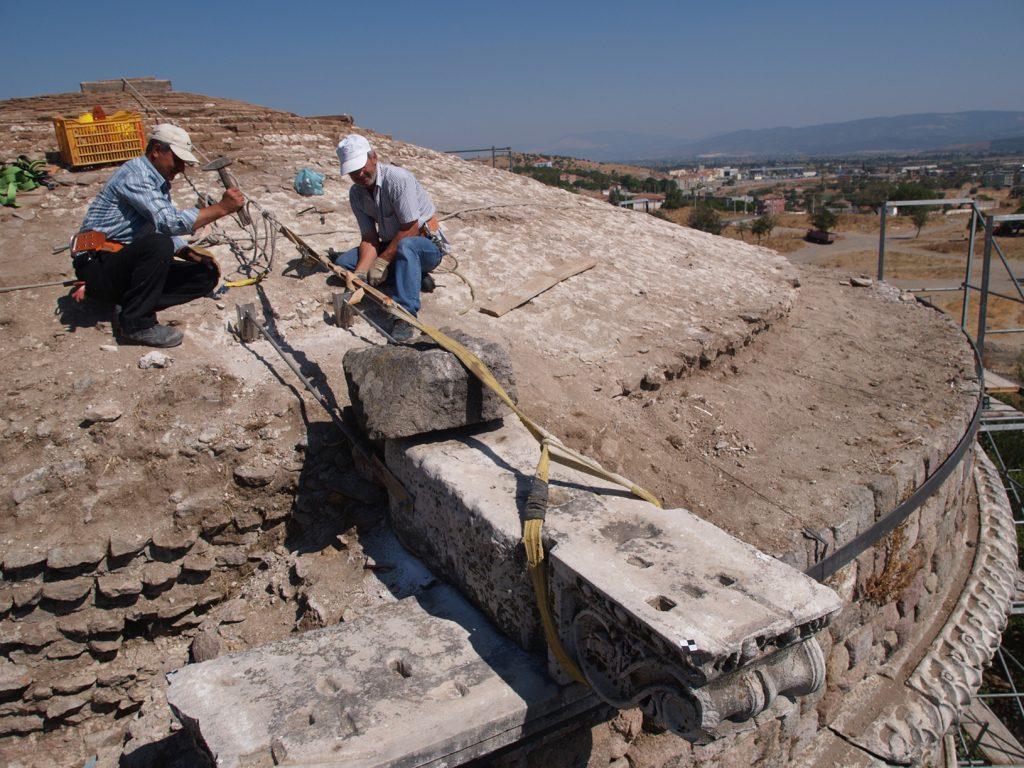 Ein Meilenstein für den Kulturerhalt: Restaurierung des südlichen Turms 2008.