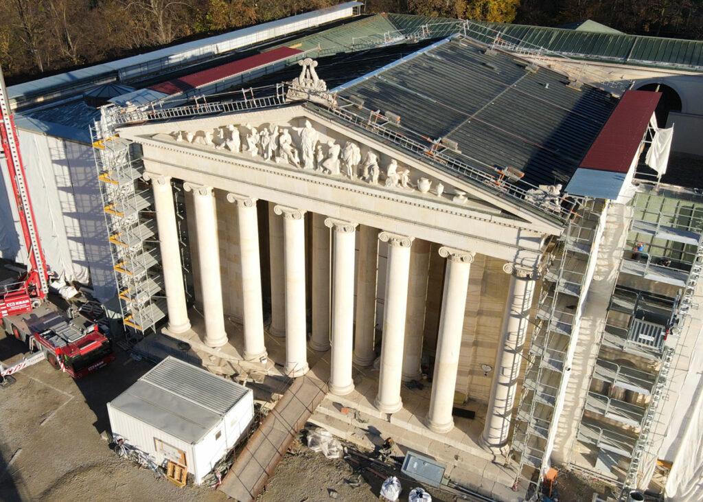 Luftbild der Fassade nach Sanierung der Glyptothek
