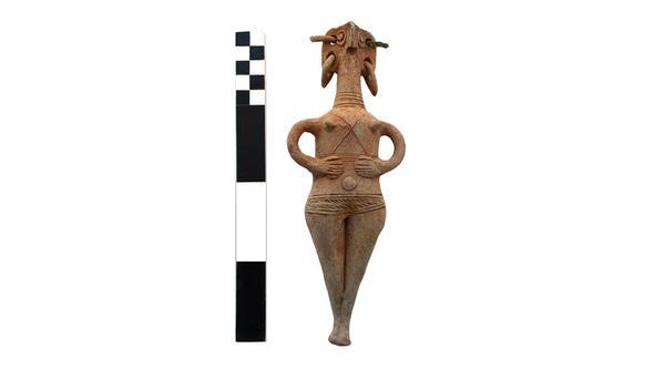 Keramische Figur aus dem 1. Grab