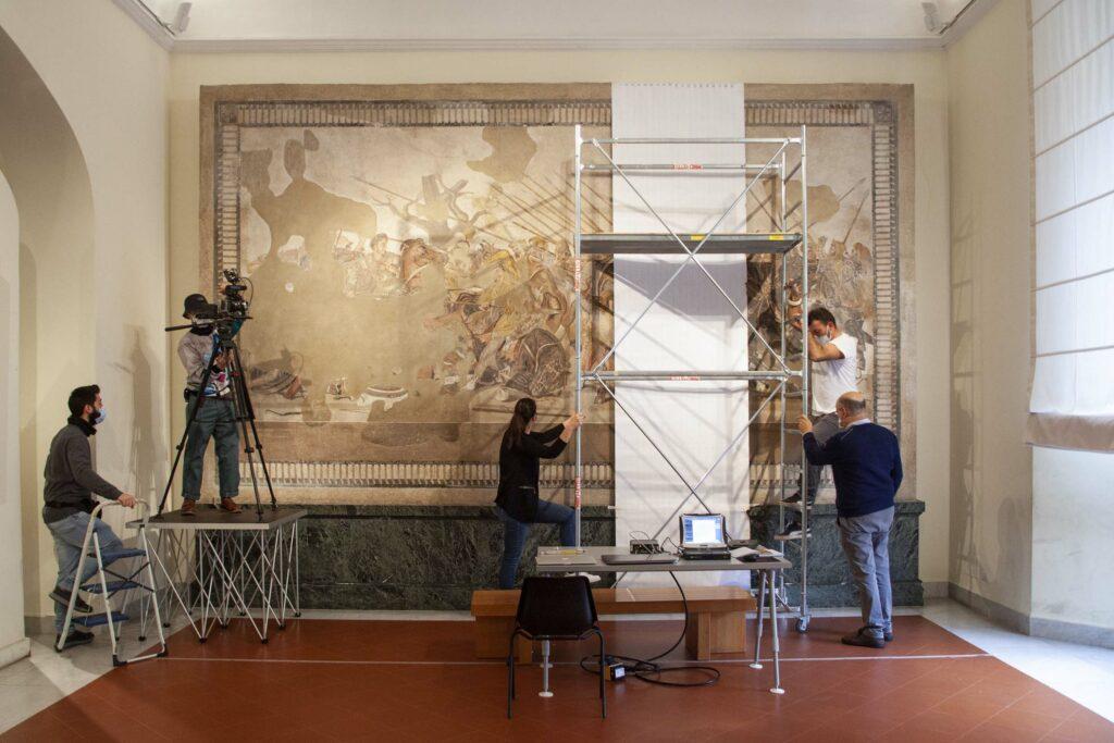 Blick in dem Raum, in dem das Alexandermosaik zur Zeit ausgestellt ist.