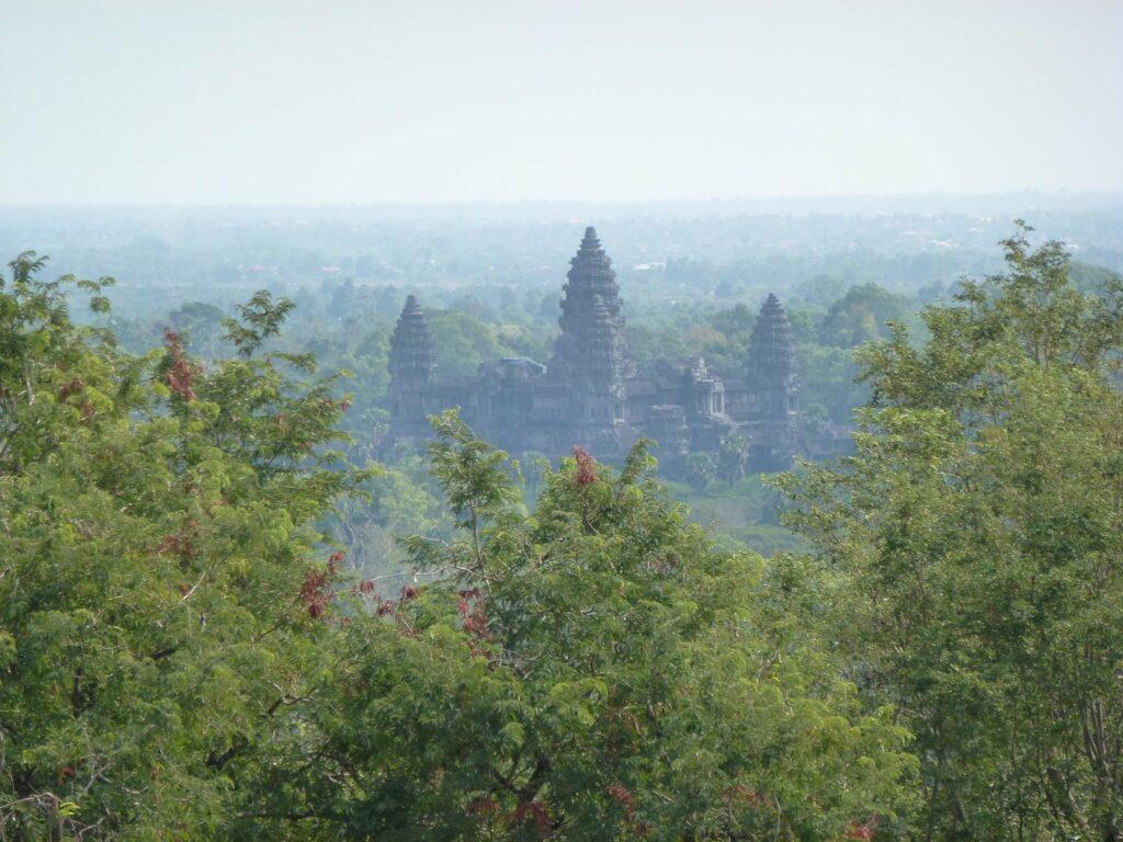 Fotografie, die das antike Angkor in Kambodscha zeigt.