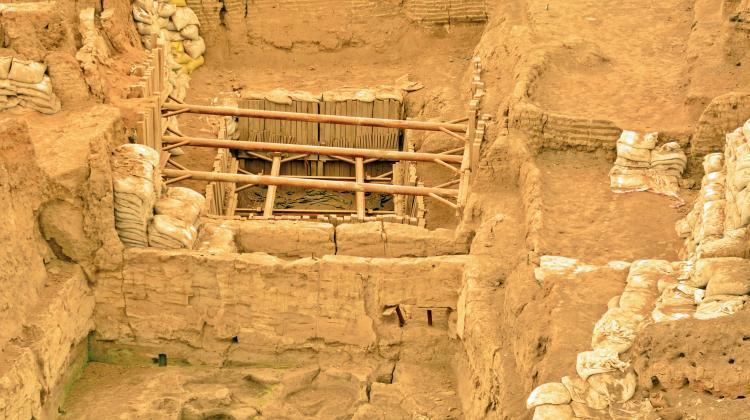 Hausbestattungen in Çatalhöyük: Neue Erkenntnisse. Auf Bild ist die Ausgrabungsfläche der neolithischen Siedlung in der Türkei.