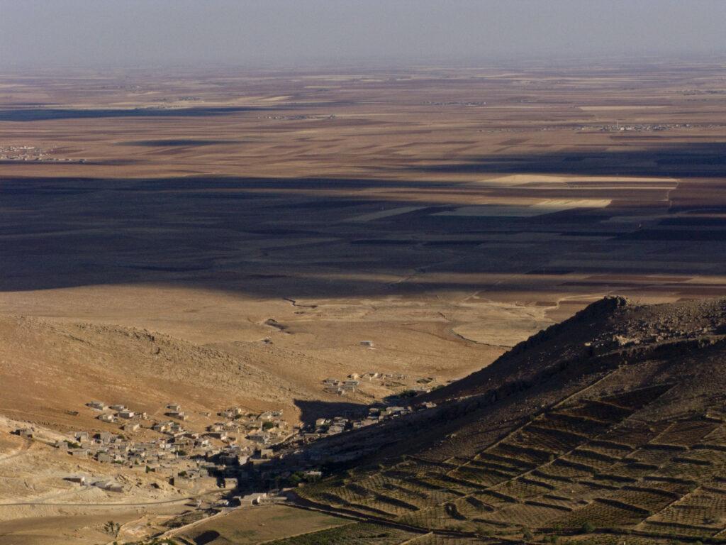 Klimakrisen in Mesopotamien. zu sehen sind die Ebenen in Mesopotamien in der Türkei.