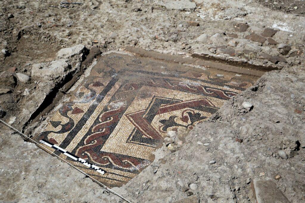 Zu sehen ist eines der gefundenen Mosaike.
