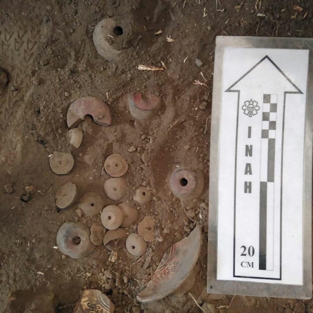 Keramikfunde aus den Überresten der Pyramide in der Gemeinde Tlalmanalco, im Bundesstaat Mexiko.