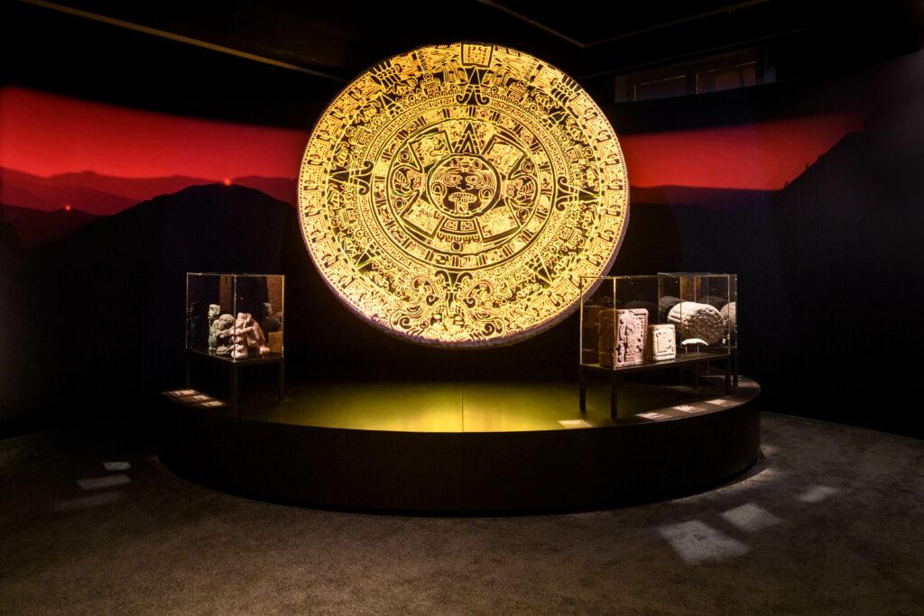 Sonnenstein-Theater, mit 3D-Druck des aztekischen Sonnensteins.