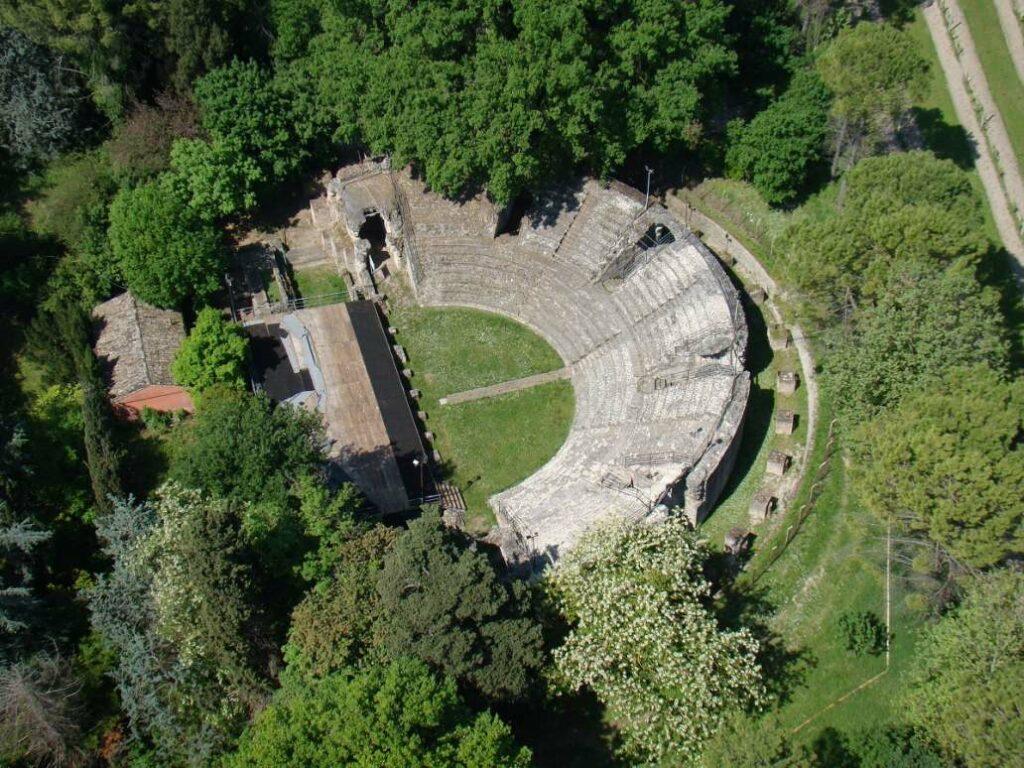 Das Amphitheater von Falerio Picenus
